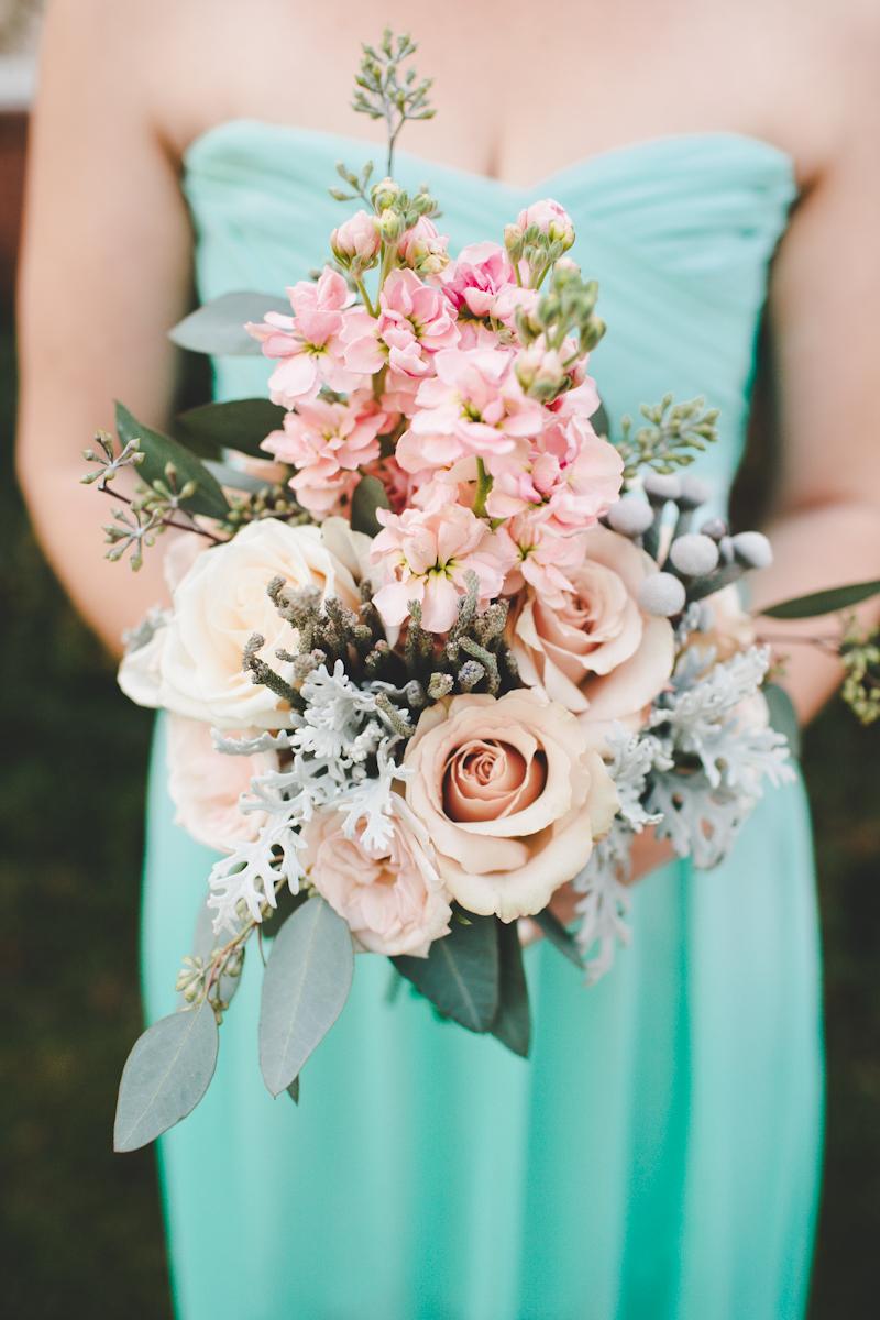 fresh flower weddings holly 39 s wedding flowers. Black Bedroom Furniture Sets. Home Design Ideas