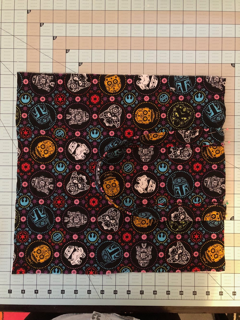 The strap pinned to the quilted outer fabric (step 8)