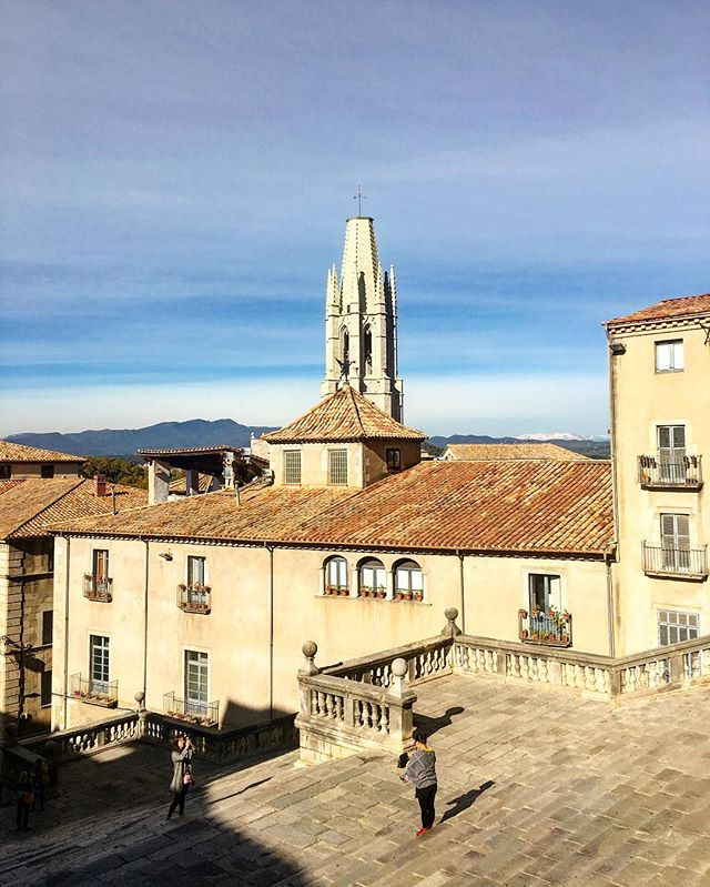 Love the mountains in the distance.. I bet not everyone sees them! #spain #girona