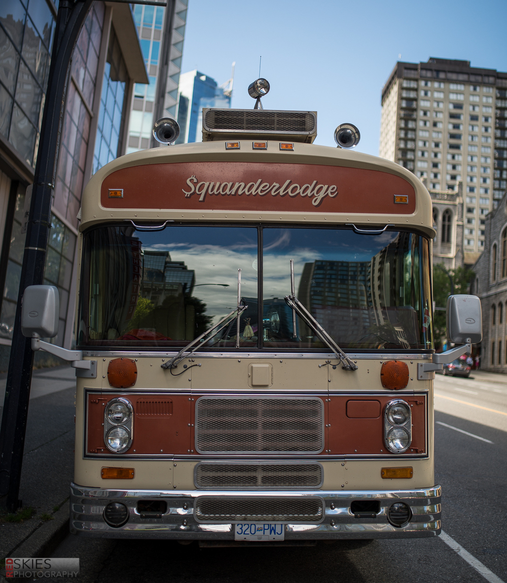 I feel like I would LOVE to live and travel in a bus like this...