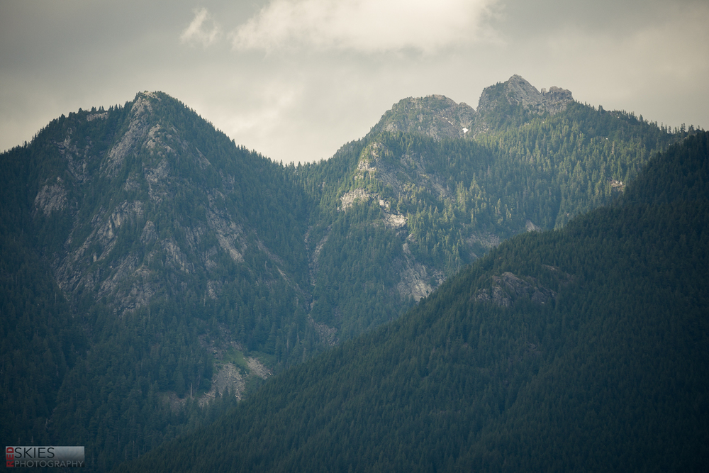 I'm also really glad I picked up that telephoto lens--it was great for isolating mountains from the landscape!