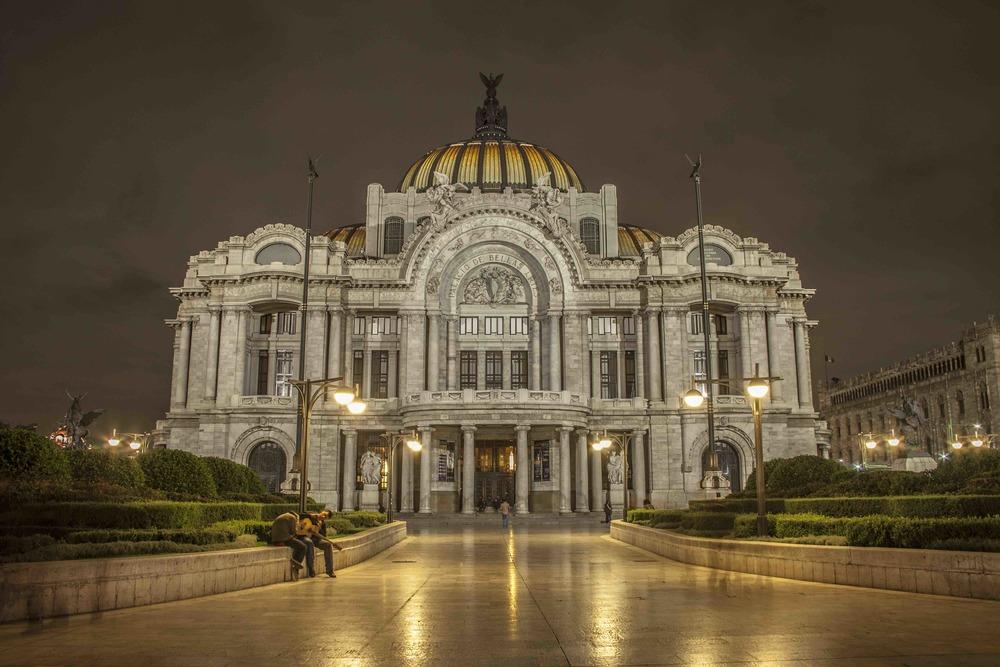 Palacio_de_Bellas_Artes_de_Noche copy.jpg