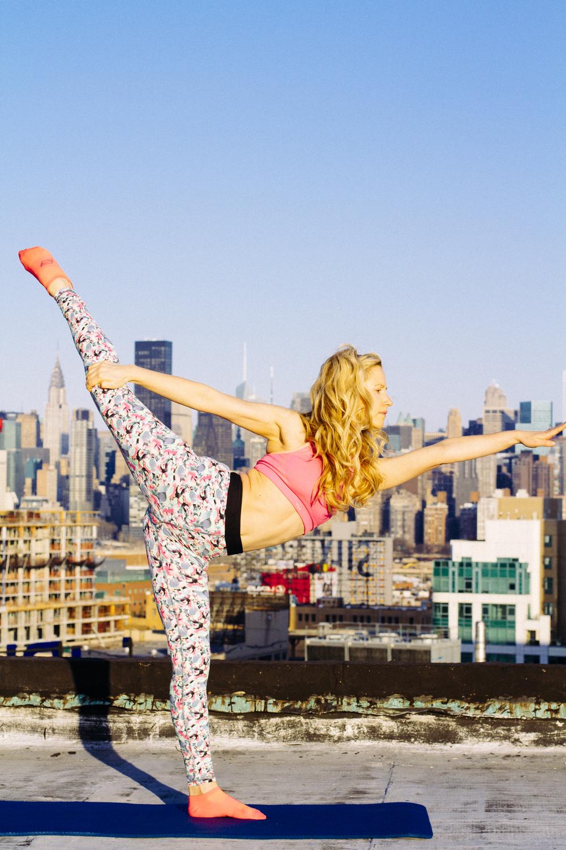 nina mua yoga.jpg
