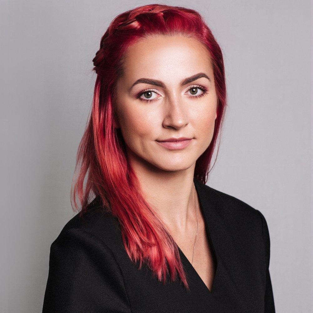 paulina-pecak-makeup-artist-educator.jpg