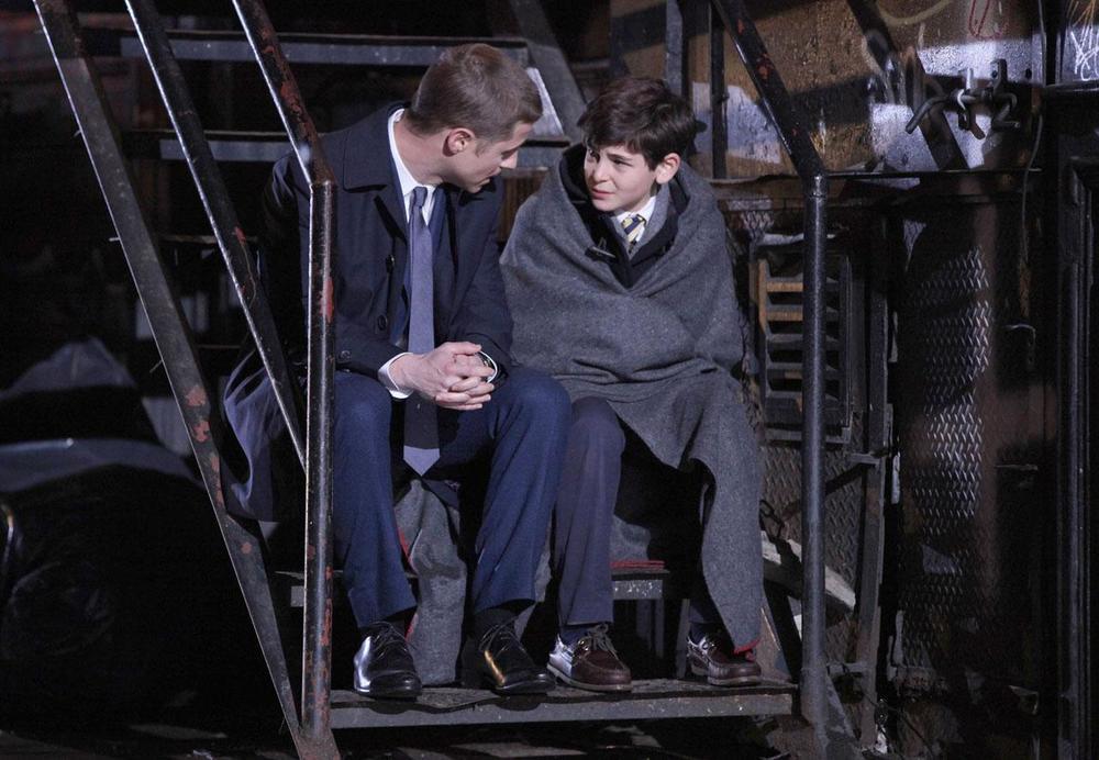 Gotham-Gordon-and-Bruce-Wayne.jpg
