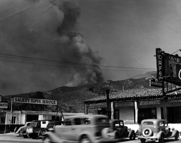 1935  The Latigo/Sherwood Fire traveled a similar route as Woolsey through Point Dume, destroying most of its eastern edge.