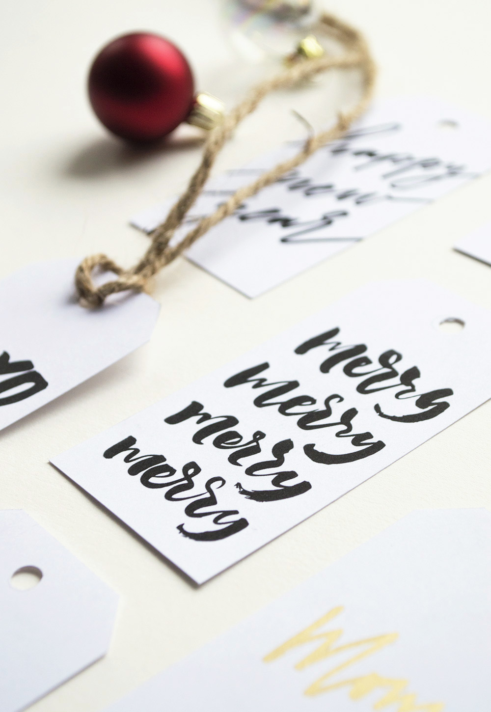 Download free printable Christmas Tags by Type and Graphics Lab | For personal use only | © typeandgraphicslab.com