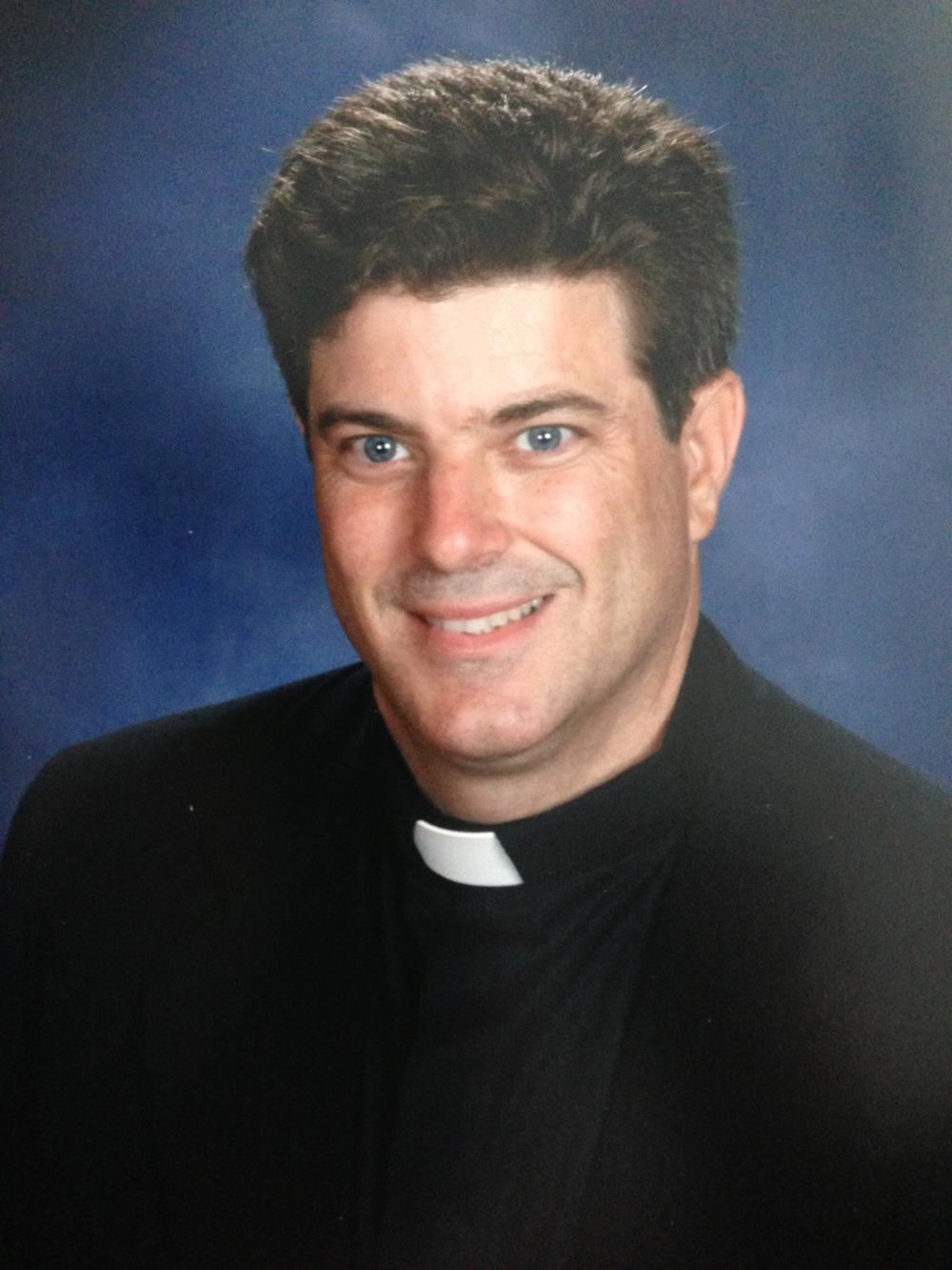 Priest_1500x1500_021.png