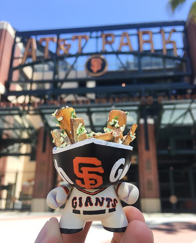 #EatSF: #GarlicFries at an @SFGiants Game!