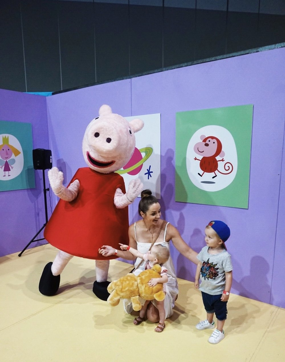 Come here and get a nice pic with Peppa kids...errrr, yeah right mum!