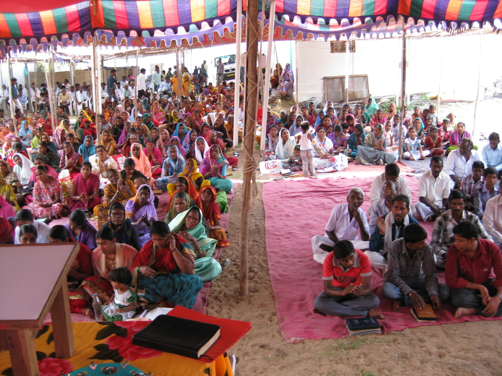 Many gather to worship in India