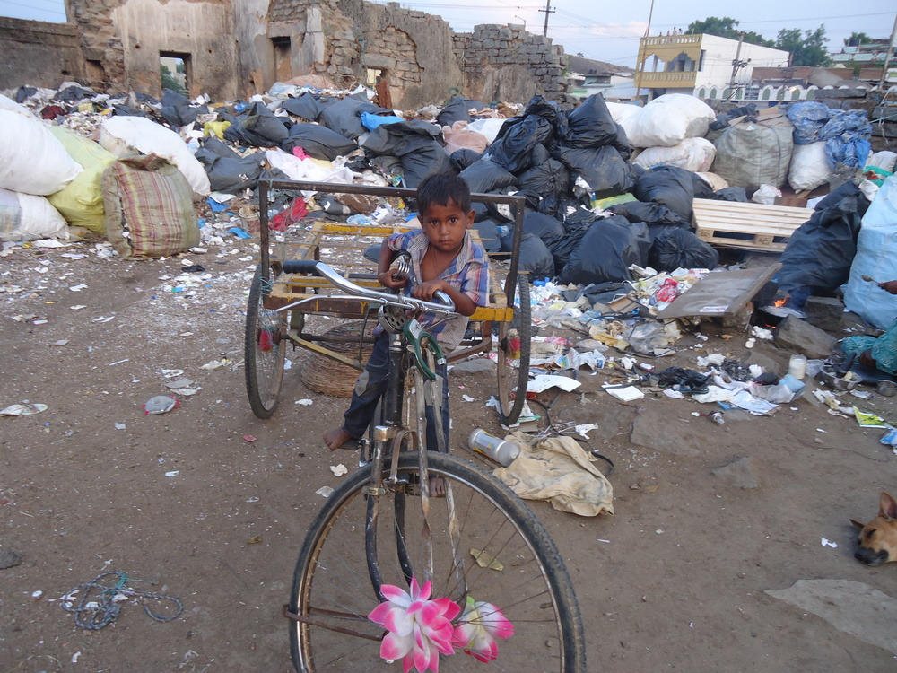 Boy in Garbage Dump_DSC09506.JPG