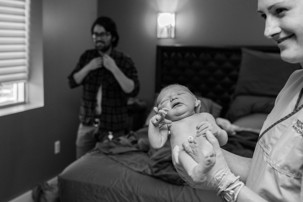 Denver-Birth-Photographer-the-quick-birth-of-Theo