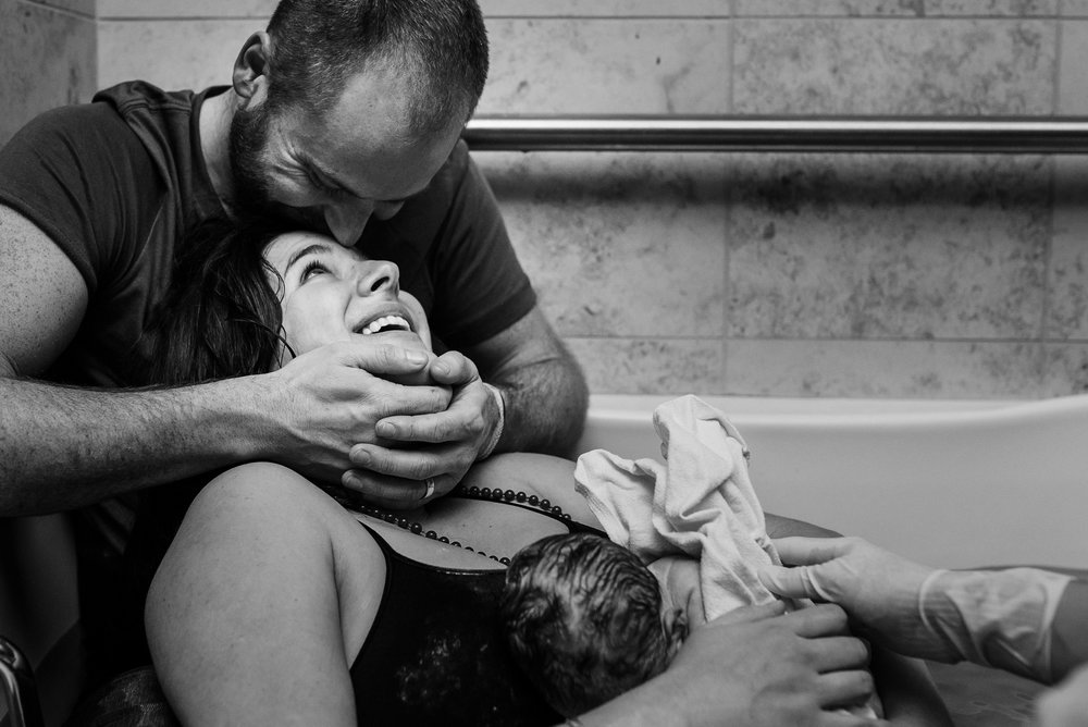 denver-birth-photographer-mountain-midwifery-water-birth-love-story