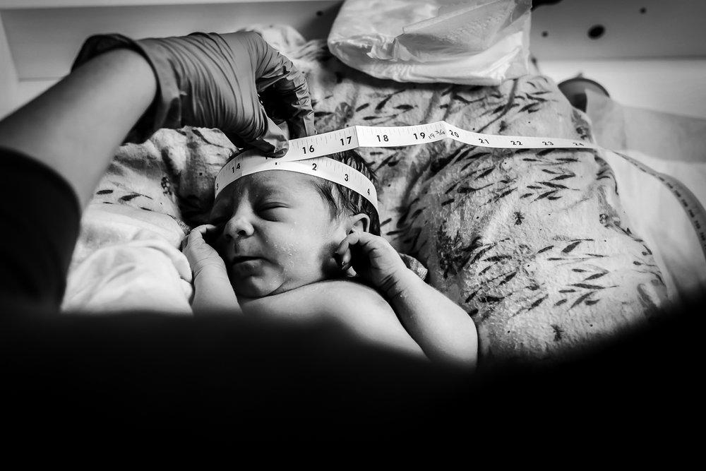 Denver-Center-Birth-Photography-Newborn-Exam