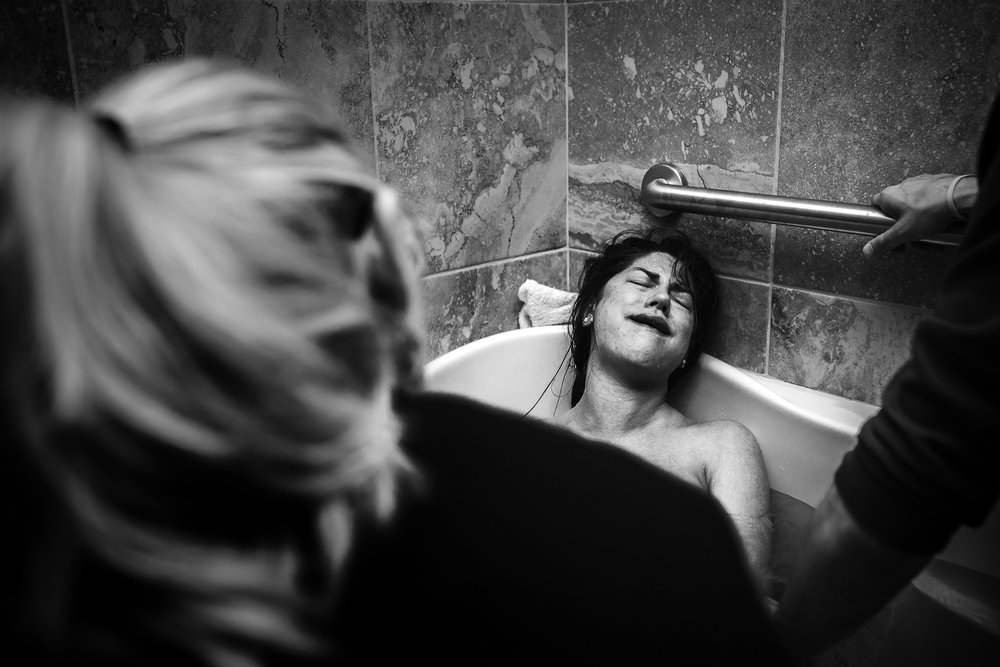waterbirth-pushing
