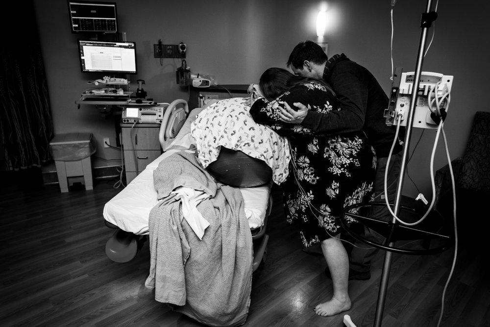 Laboring in Colorado-Monet Nicole Birth Photography