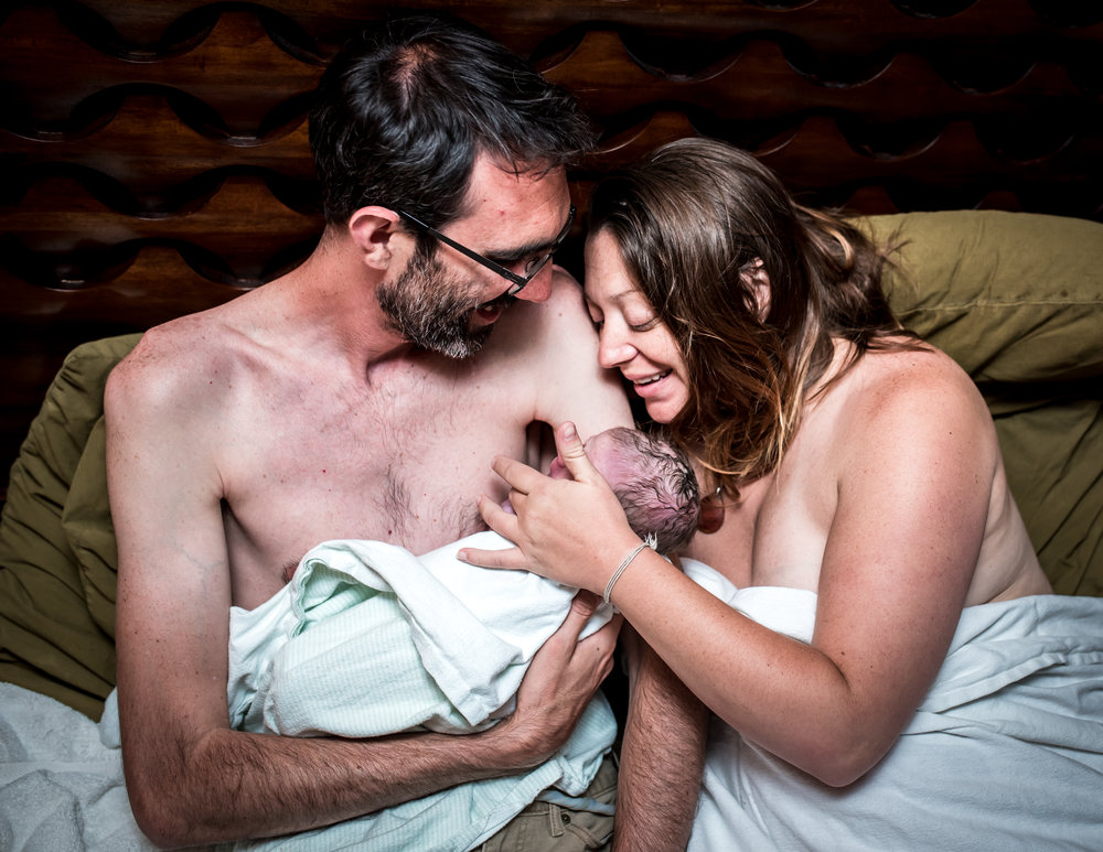 Skin to Skin with dad-Monet Nicole Birth Photography