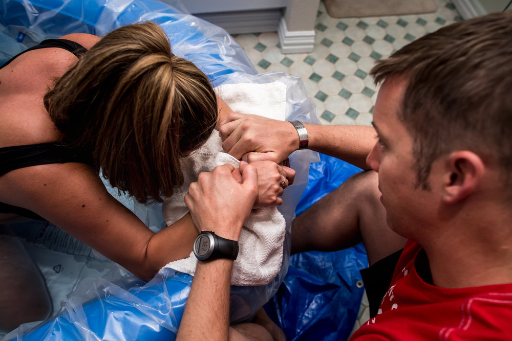laboring-in-birth-tub
