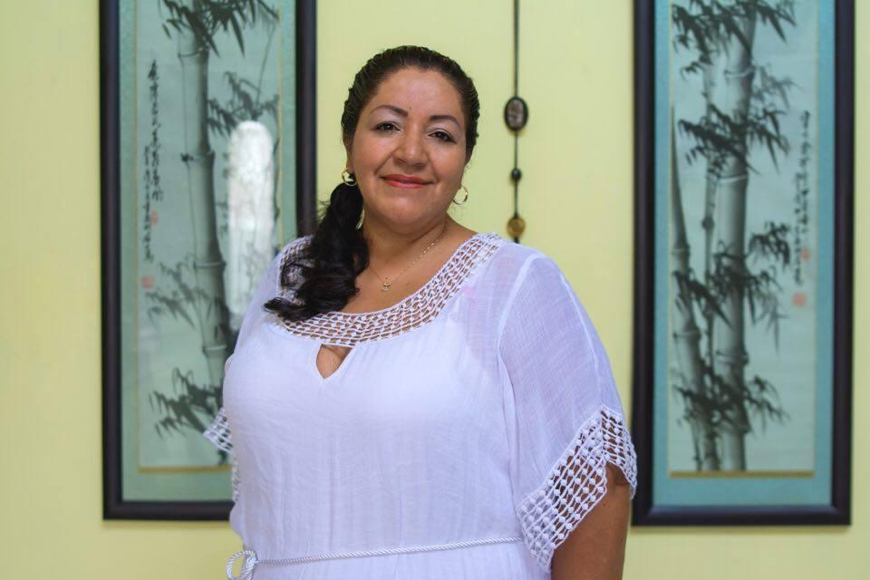 L.M.T. Julieta Hernandez  Matrixx Massage C.E.O.  Mujer Empresaria Latina del Año 2015  Negocio Latino del Año 2016