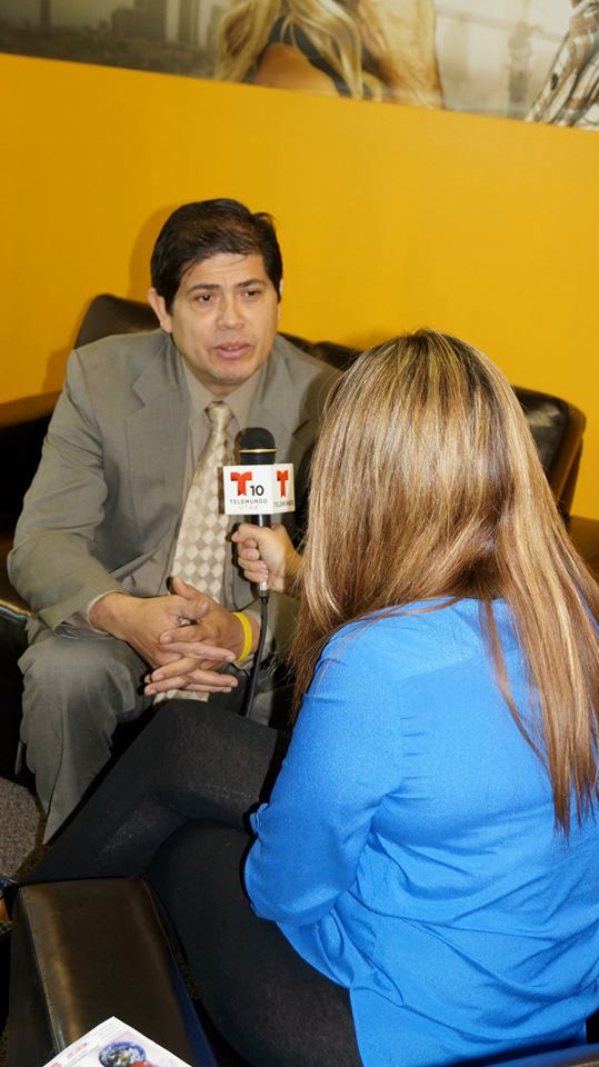 entrevista con telemundo.jpg