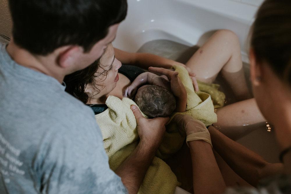 IMG_0354J-Birthanchoragebirthphotographer.jpg