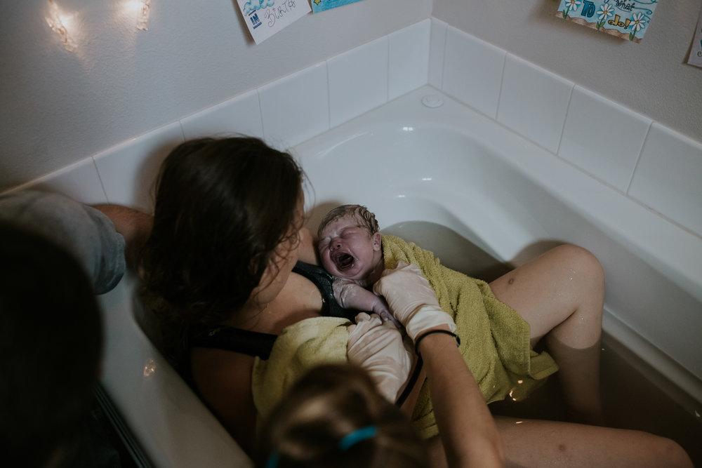 IMG_0371J-Birthanchoragebirthphotographer.jpg