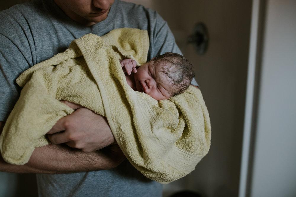 IMG_0492J-Birthanchoragebirthphotographer.jpg
