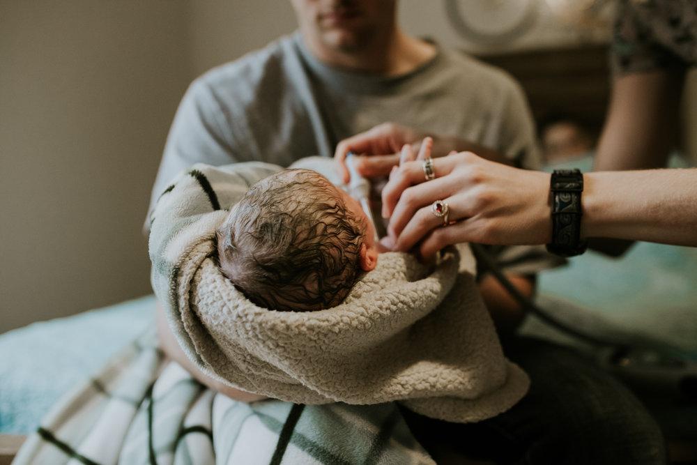 IMG_0657J-Birthanchoragebirthphotographer.jpg