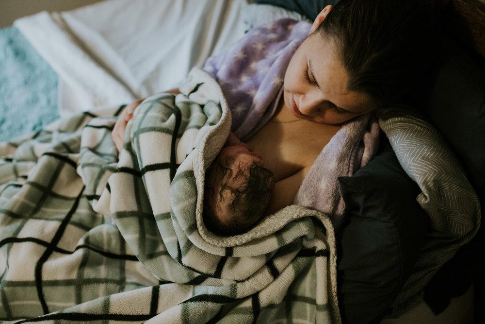 IMG_0694J-Birthanchoragebirthphotographer.jpg