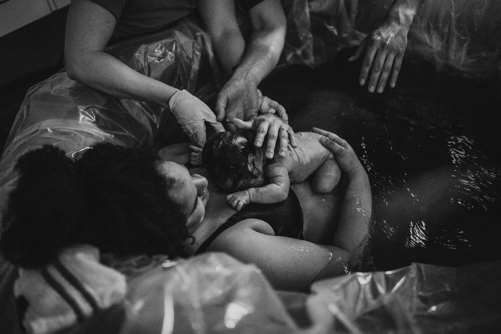 anchoragebirthphotographer21.jpg