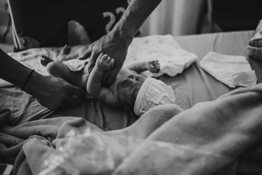 anchoragebirthphotographer47.jpg