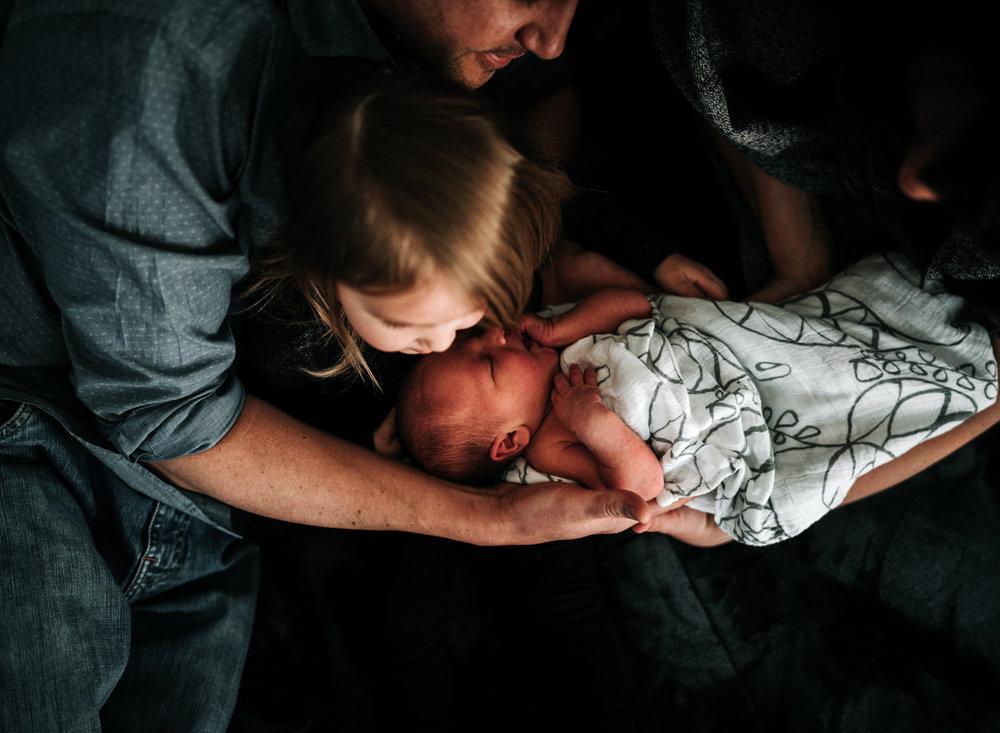 newbornphotographeranchoragemossandmyrrh2018259.jpg