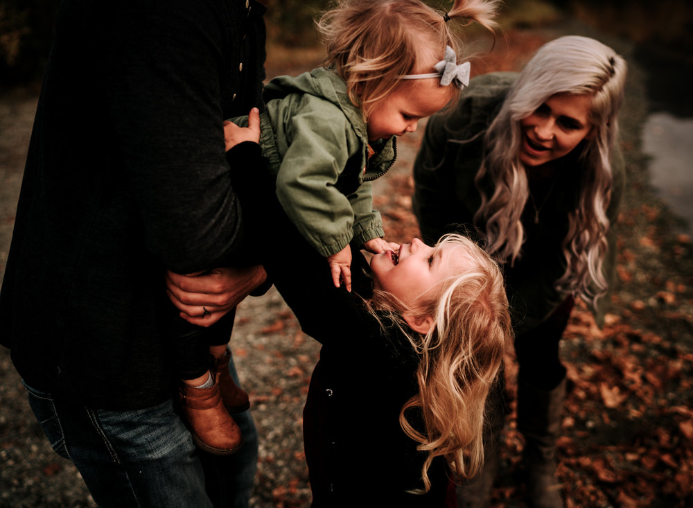 anchoragefamilyphotographerfall2018149.jpg