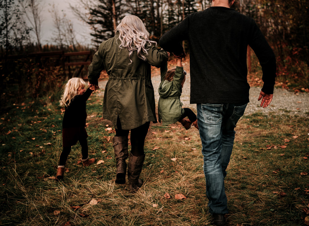 anchoragefamilyphotographerfall2018163.jpg