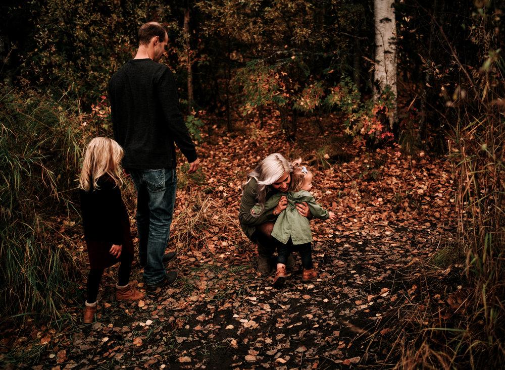 anchoragefamilyphotographerfall2018171.jpg