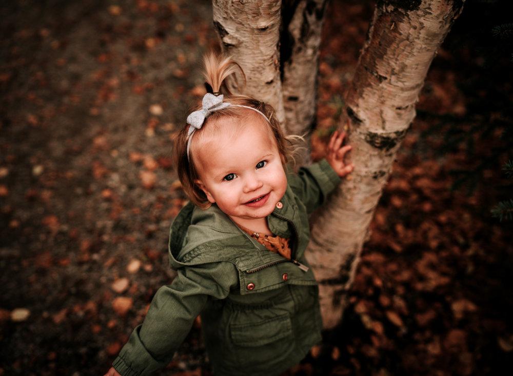 anchoragefamilyphotographerfall2018175.jpg