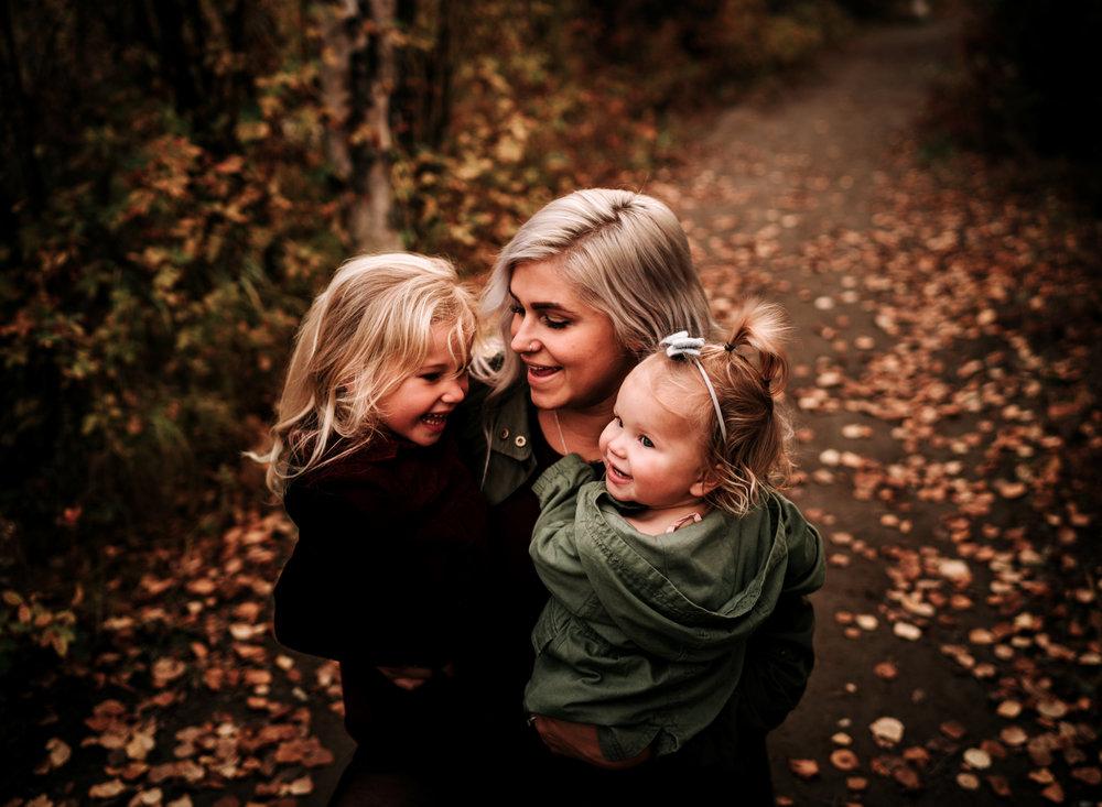 anchoragefamilyphotographerfall2018189.jpg