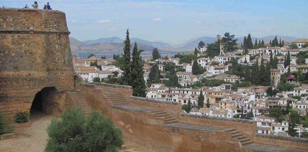 The-Alhambra-view-between-the-Palaces.jpg