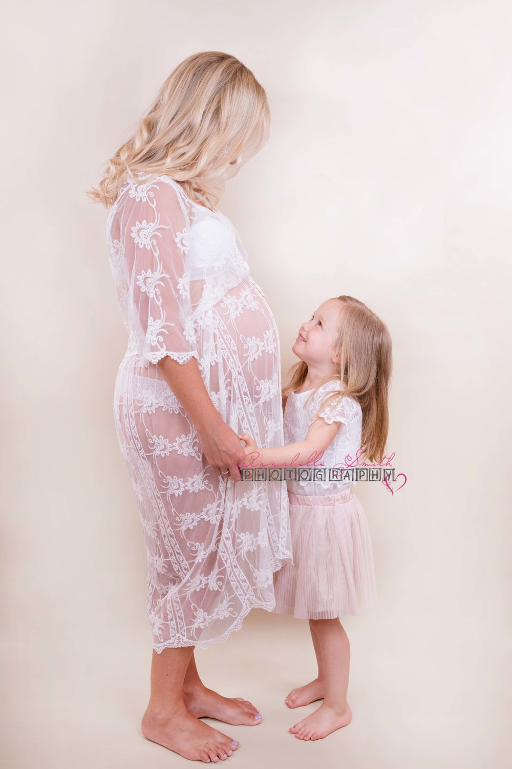 Maternity shoot walton on thames.jpg
