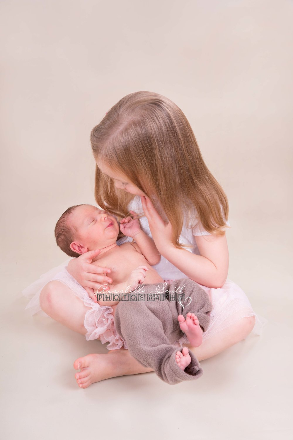 New-born sibling shoot walton on thames.jpg