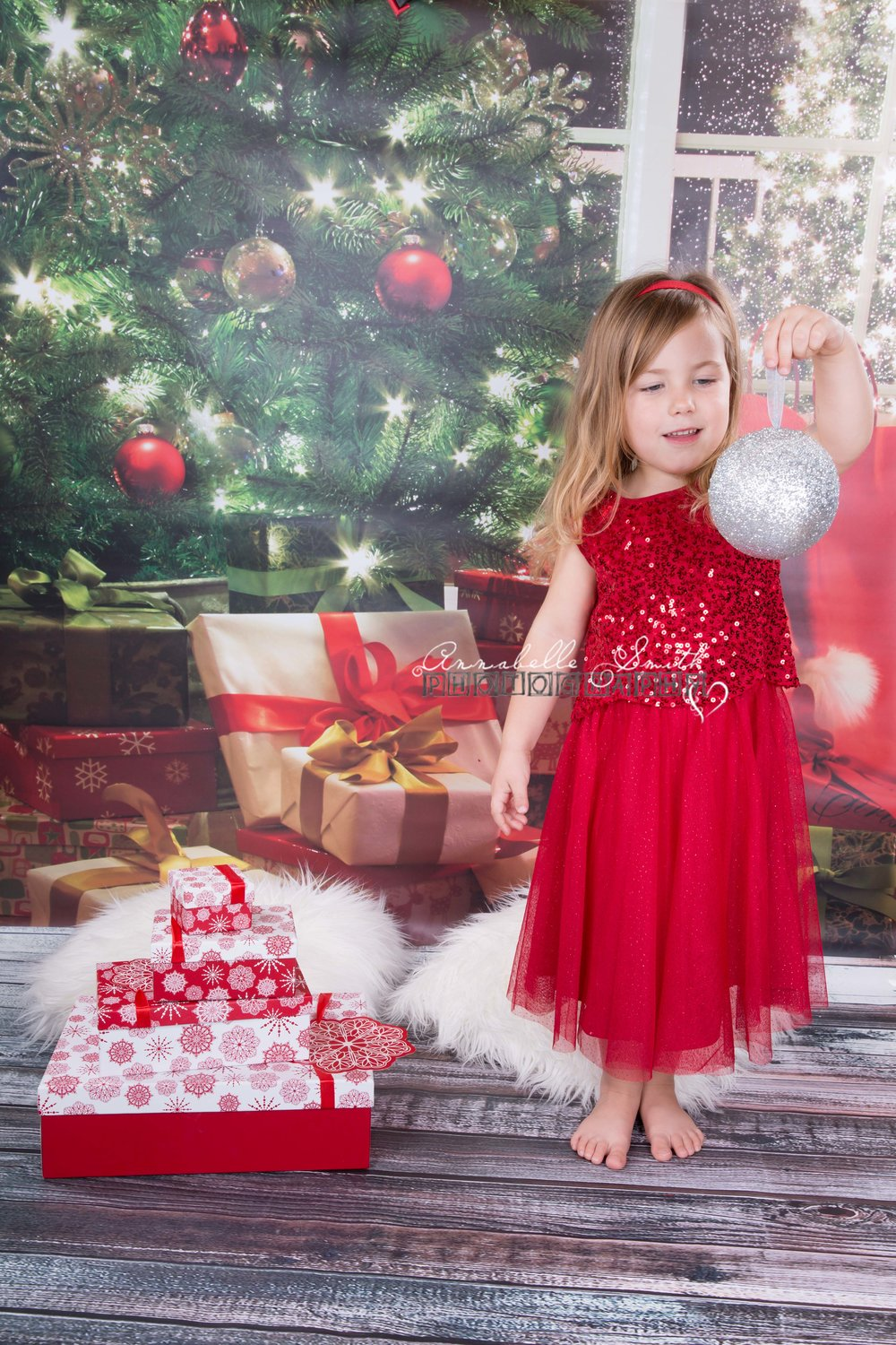Christmas photo shoots in Surrey Walton on Thames.jpg