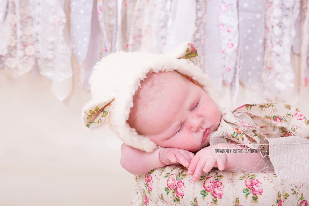 Newborn photography in walton on thames and weybridge surrey.jpg