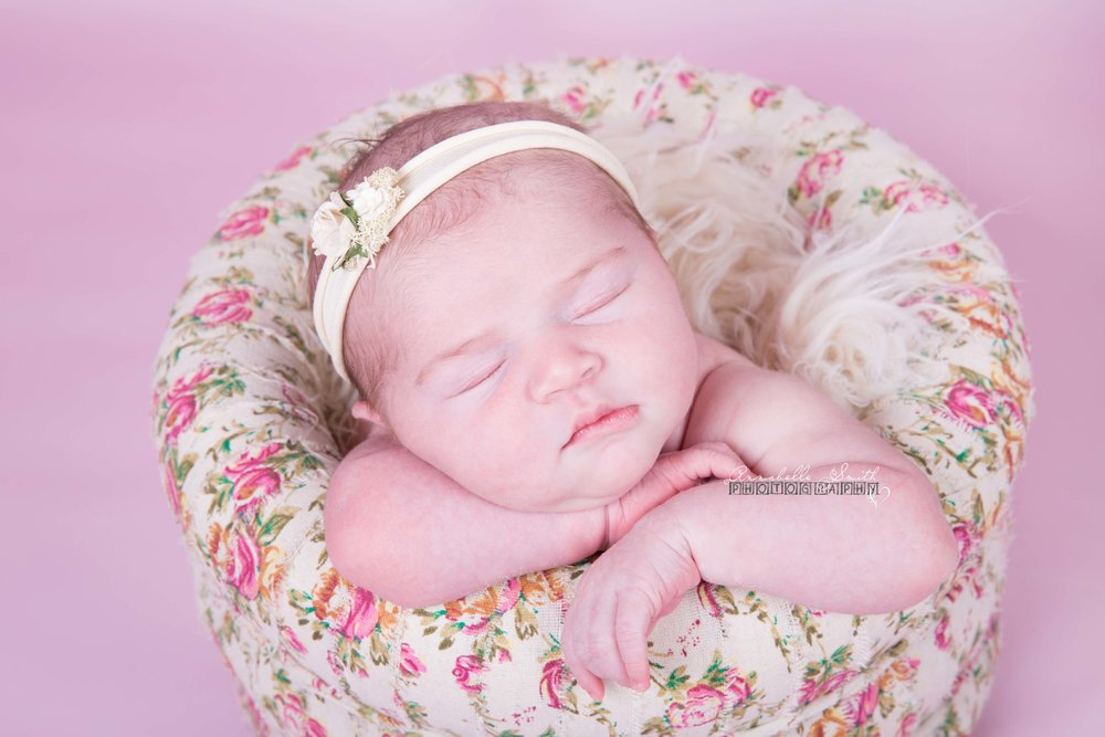 Newborn floral photo shoot walton on thames.jpg
