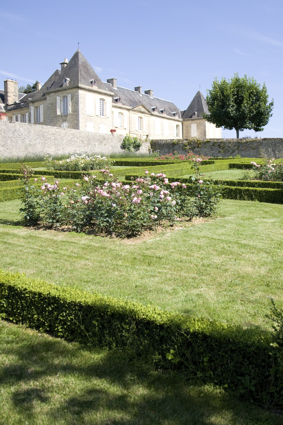 72_24086_31_chateau_lacoste_jardin.jpg