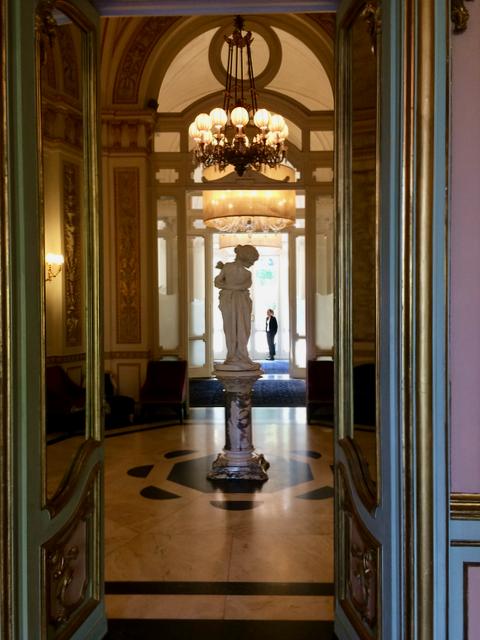 Villa Cora - Entrance Hall.png
