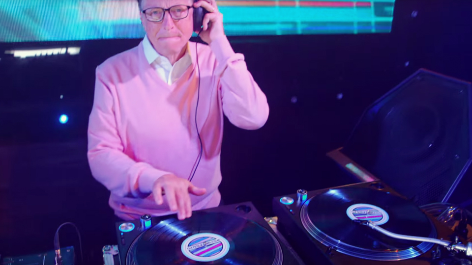 may4-bill-gates-does-a-dj-set-1