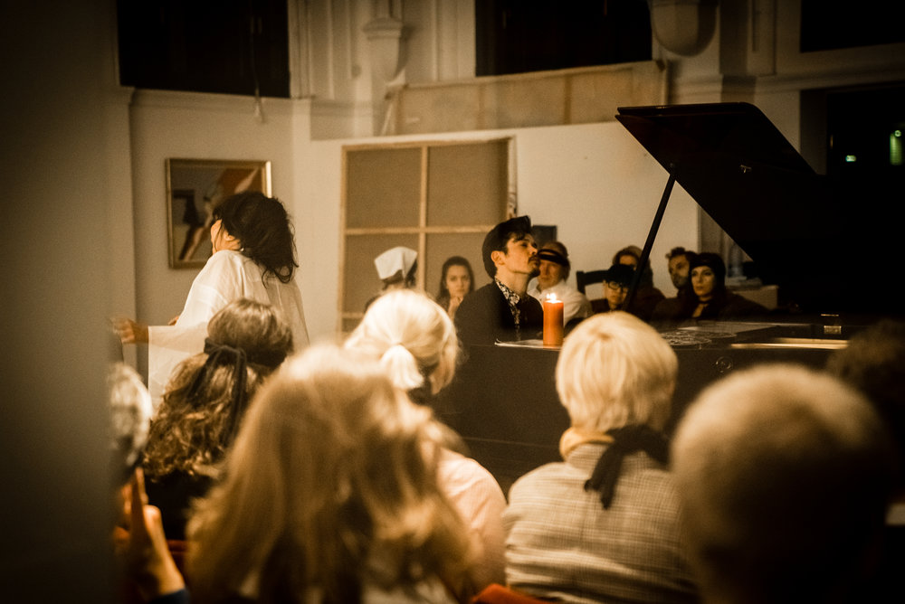 perfume-concert-at--galerie-kremers-berlin_37804881796_o.jpg