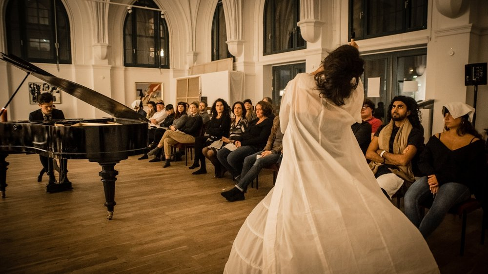 perfume-concert-at--galerie-kremers-berlin_37804804266_o.jpg