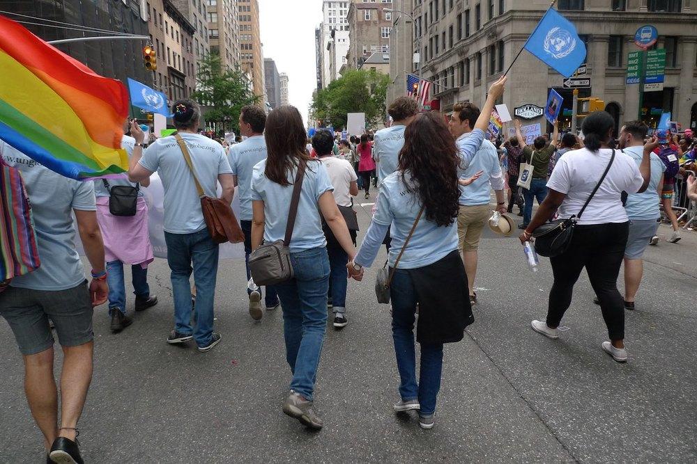 un-globe marchers 5.jpg